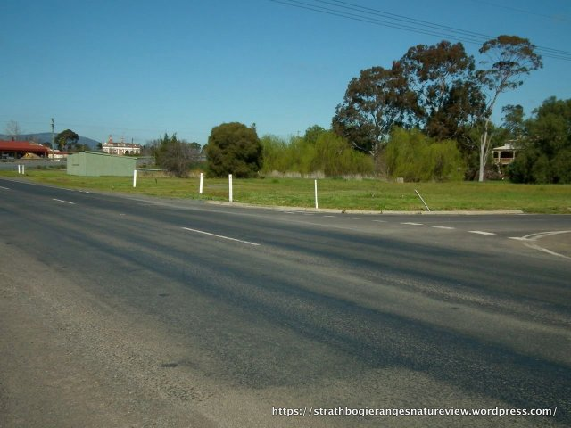 Just another Euroa intersection, but look carefully ...